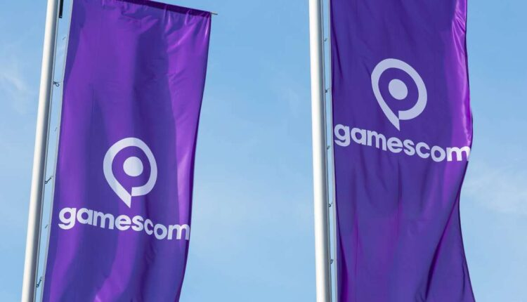 26943632-flaggen-mit-dem-gamescom-logo-2Eef.jpg