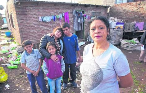 US-Argentina-entire-families-die-without-help-Annual.jpg