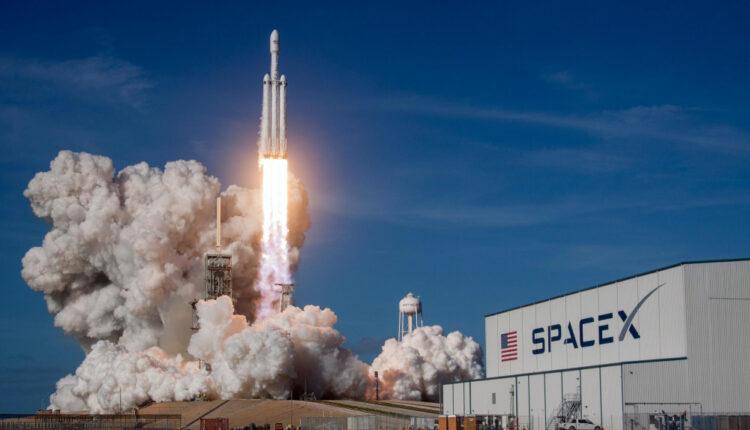 620293-espace-spacex-envoie-143-satellites-en-orbite-grace-a-une-seule-fusee.jpg