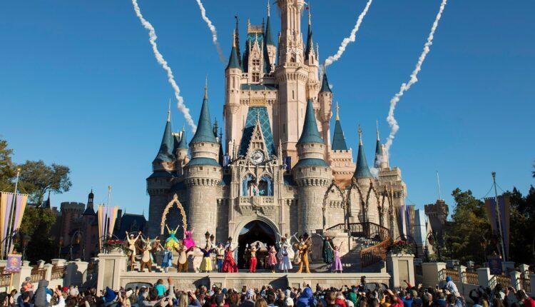 magic-kingdom-welcome-04.jpg